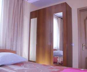 room1-4_1.jpg